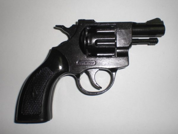 Revolver a salve cal. 6 mm - cani
